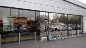 film-pour-vitre-anti-chaleur-eblouissement-lidl_golbey-1 -pose-film-solaire-vitrage-exterieur-dexypro-lidl-min