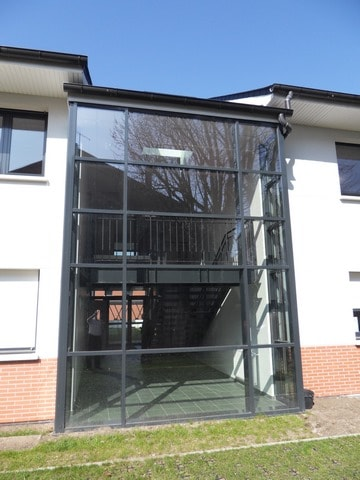 pose-film-solaire-fentre-vitrage-fondation-bellan-4-min