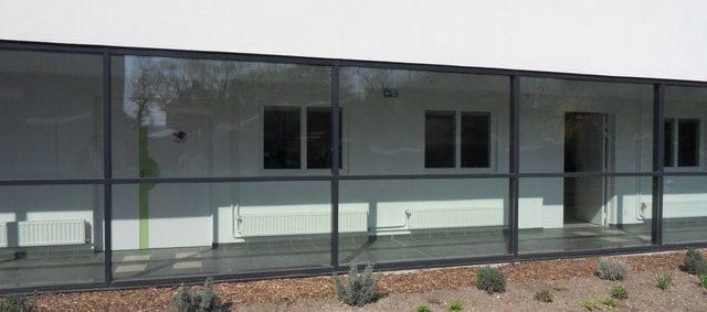 Importance d'un film solaire pour baie vitrée fondation Bellan IME