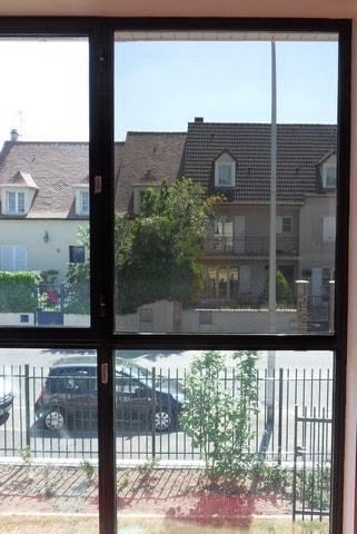 pose-film-solaire-fentre-vitrage-fondation-bellan-min