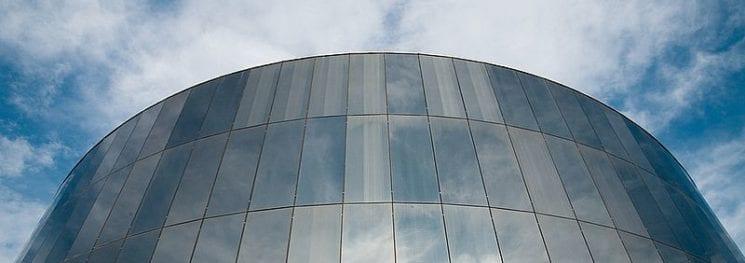 Film pour facade vitrée anti chaleur anti solaire